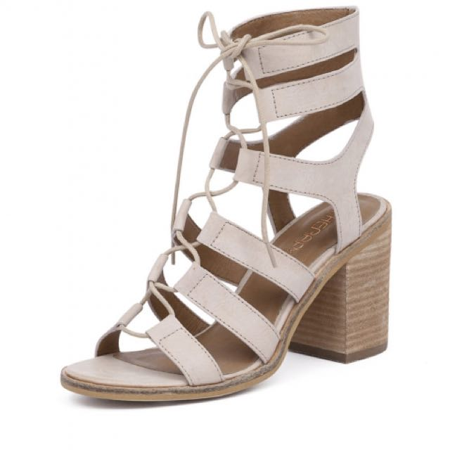 Therapy Thorin Heels Beige | Size 5