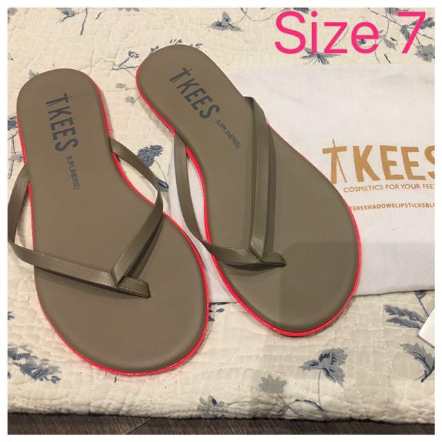 Tkees Size 7 Flip Flops