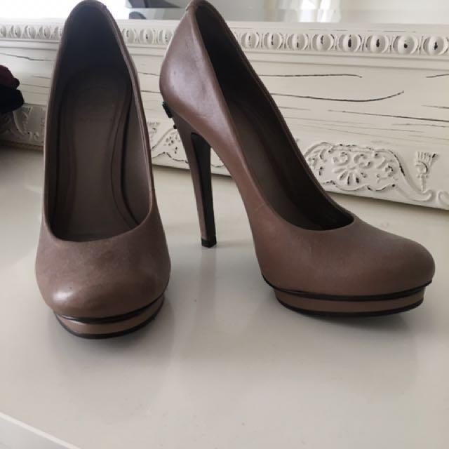 Tory Burch heels 6.5