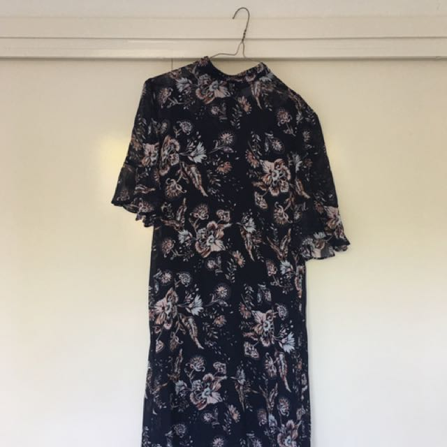 Witchery Size 8 front dress
