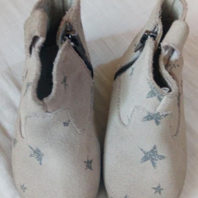 Zara baby boots 9-12 mos