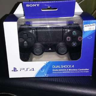 Ps4 controller for sale just txt (09223727499)