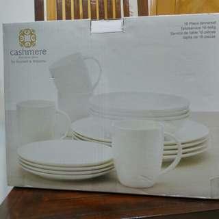 全新骨瓷,澳洲品牌,手提帶回港,4人餐具,16件,大碟28cm ,細碟19cm ,碗20cm
