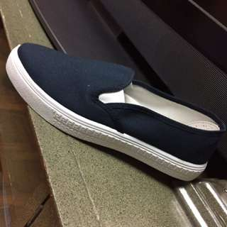 slip on navy blue canvas shoes