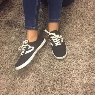 black with design canvas shoes