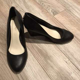Black Aldo Leather Dress Shoe