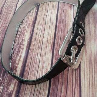Vintage black Guess belt !
