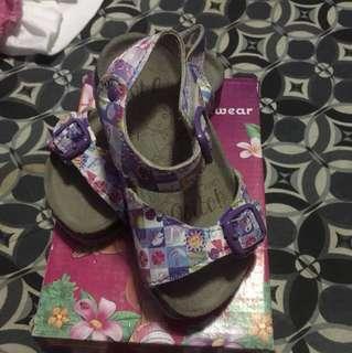 girls sandals (2-3)