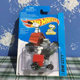 Hot Wheels Snoopy