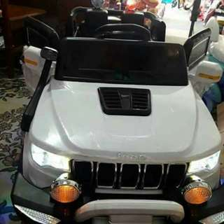Jeep with remote control can seat 1-8yrs old