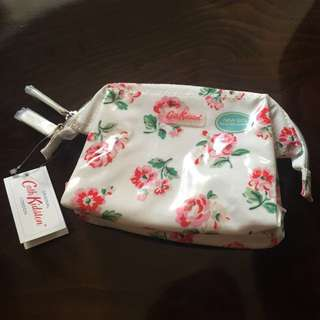 New* Cath Kidston make up bag 化裝袋