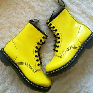 New - Seriously Funky Dr Martens 1460 Yellow Patent Leather Boots