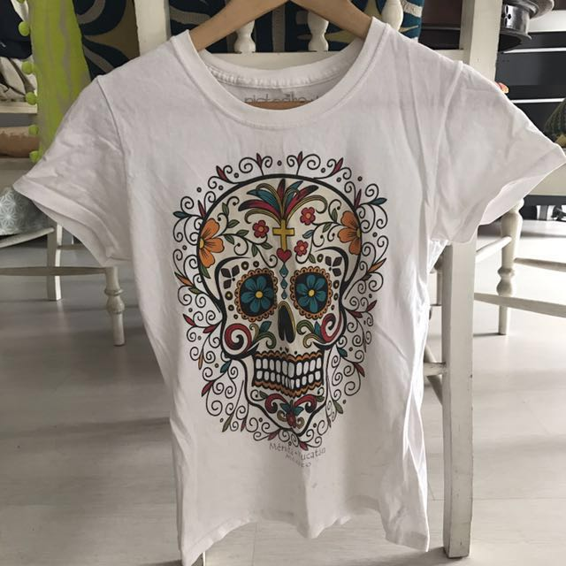 100% cotton T shirt from Mexico sugar skull print