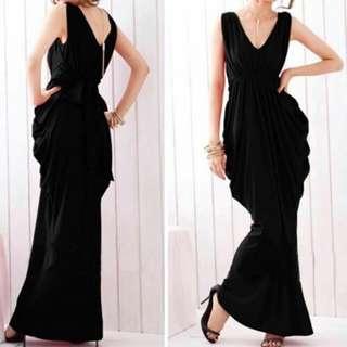 Mo: maxi dress