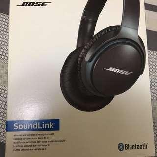 Bose around-ear wireless headphone 2