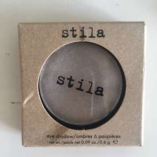 🚚 Stila eyeshadow in cloud