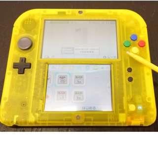 任天堂 N2DS主機 神奇寶貝限定版 皮卡丘 黃版 皮卡丘版 + 赤 青 綠 3版 + 遊戲記憶卡 4g