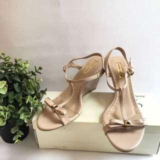 Sepatu Wedges Marie Claire size 6