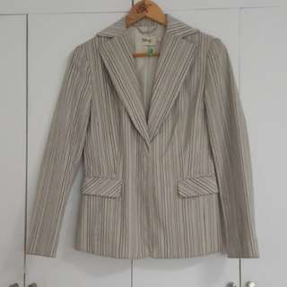 MANGO BEIGE AND BLUE STRIPED JACKET BLAZER SIZE US6. FITS MEDIUM. WITH SNAP CLOSURE