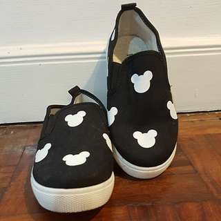 Mickey Mouse Slip On Shoes Black/White sole Kids.  Size: 36