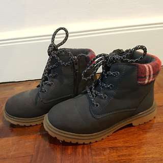 Boots for Kids Dark Blue.  Size: 28