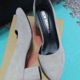 麂皮灰色低跟鞋24.5 #大掃除五折