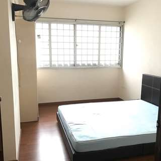 Blk421 Choa Chu Kang for rent ! CCK MRT