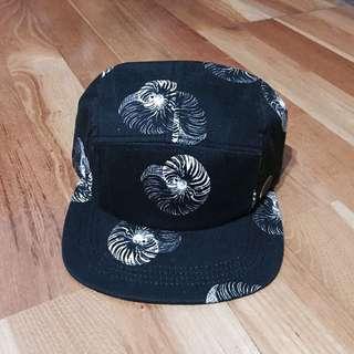 Roxy Quiksilver 黑五分割帽