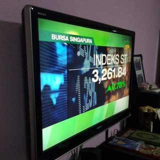"42"" Toshiba Regza LCD TV"