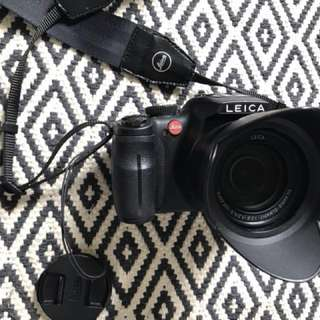 (PRICE REDUCED!)Used Leica V-lux 3 on sale!