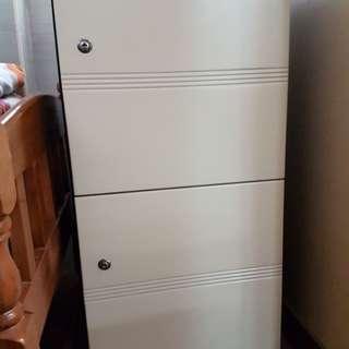 雜物櫃 38.5吋高18吋闊16吋深