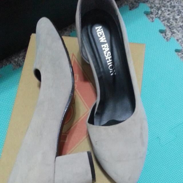 麂皮灰色低跟鞋24.5 #舊愛換新歡