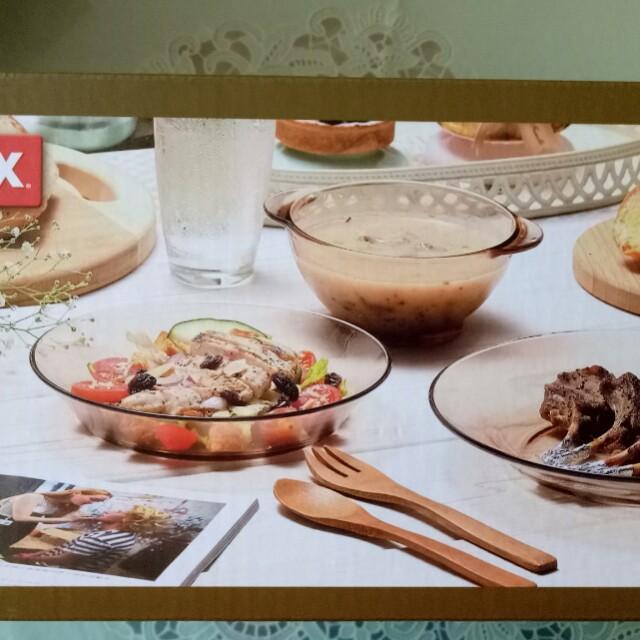 康寧琥珀三件式餐盤組,全新,可面交。