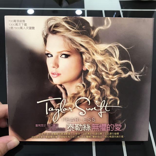 "泰勒絲 無懼的愛 首張專輯 TAYLOR SWIFT ""FEARLESS"""