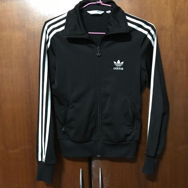 Adidas黑色外套