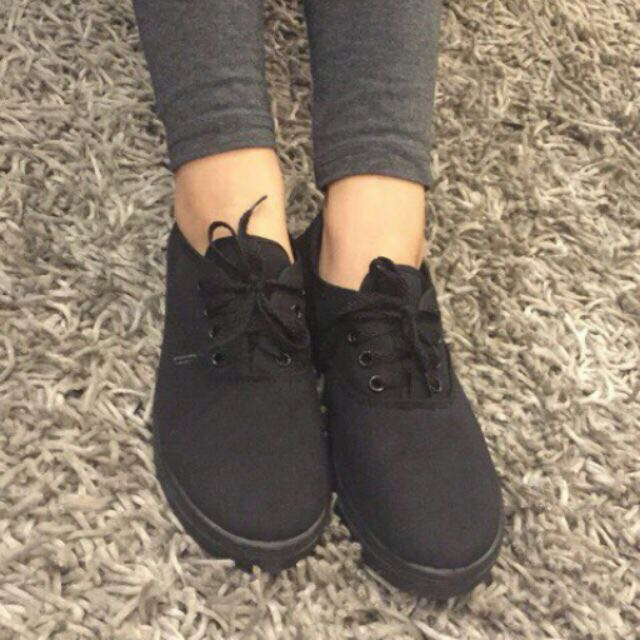 all black lace up canvas shoes