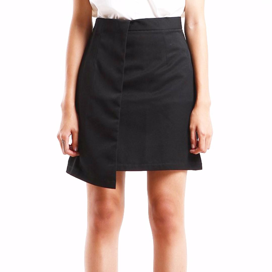 Asymmetric Skirt M