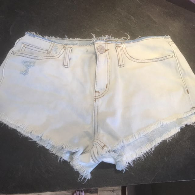BDG Denim Shorts Size 26