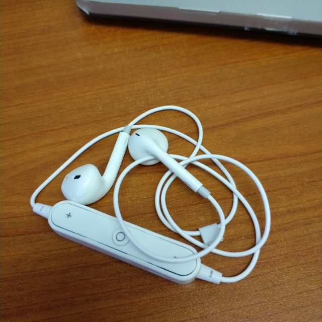 Best Wireless Earpods with Mic for All Bluetooth Devices