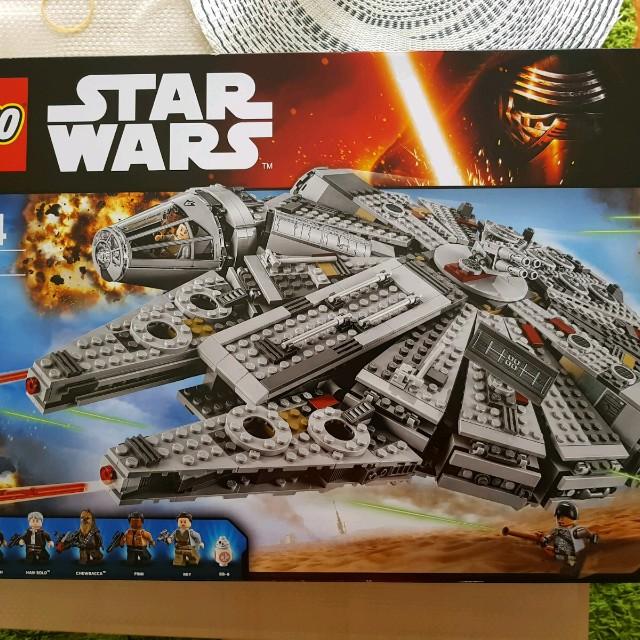 Star Wars: BNIB Lego 75105 Millennium Falcon