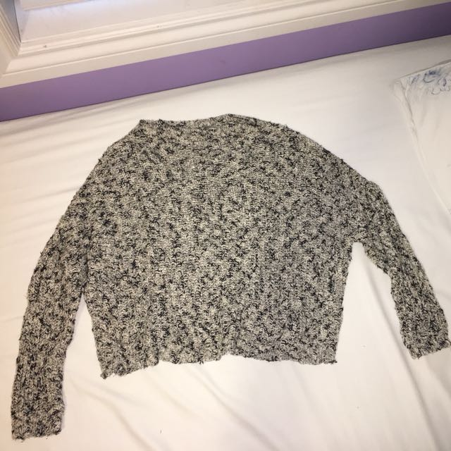 Brandy Melville - yarn sweater