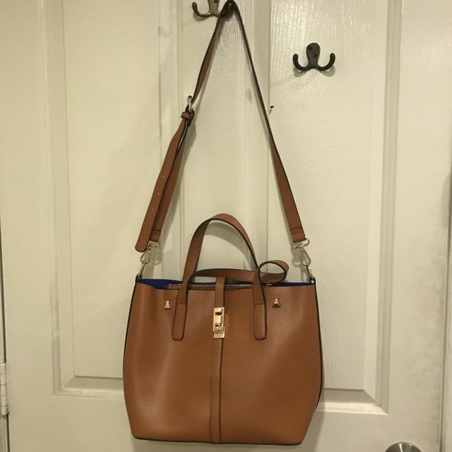 394de213f3ca Brown Miss Bag Lady shoulder bag