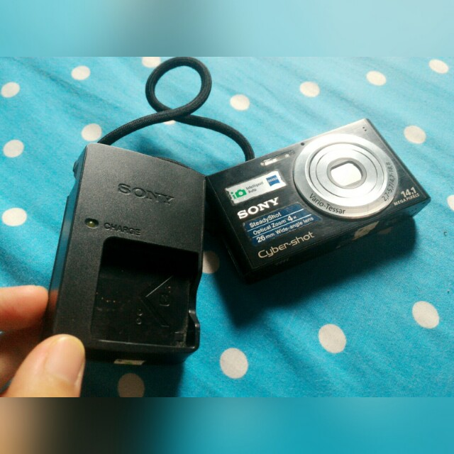 repriced!!!camera pocket sony