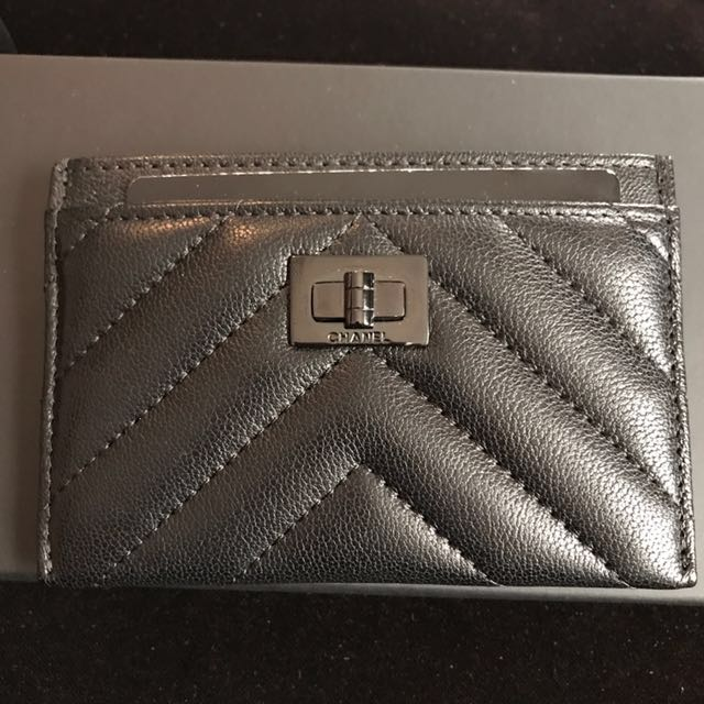 2fa81c16f59691 Chanel so black cardholder, Luxury, Bags & Wallets on Carousell