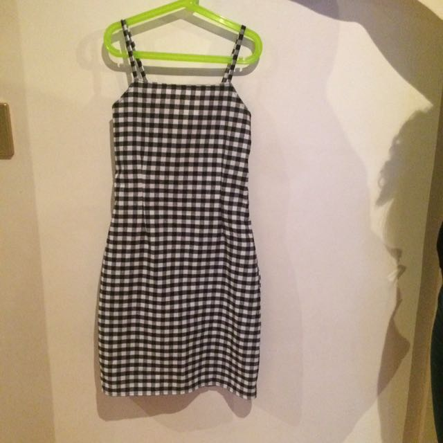 Gingham Dress Size 6-8