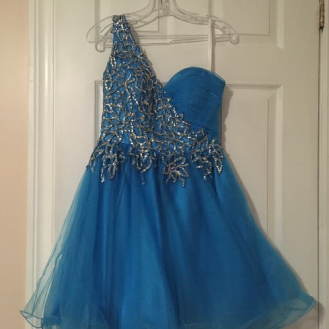 Gorgeous Sherri Hill designer 1 strap dress