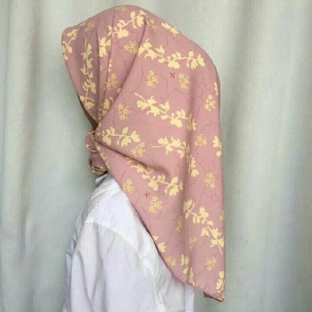 Hijab Motif Square