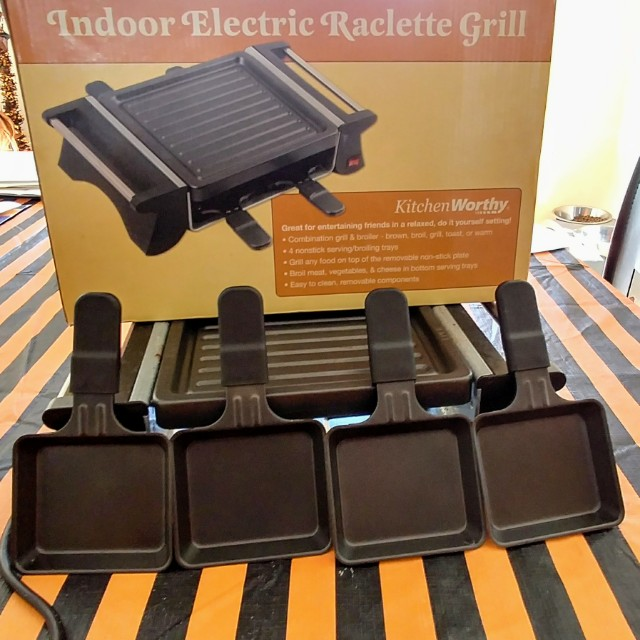 Indoor electric raclette and grill