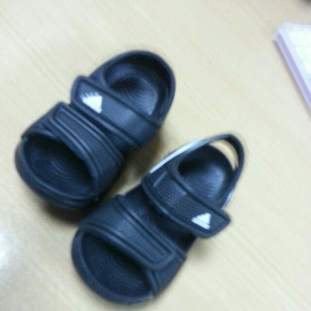 Kasut adidas baby (new) on Carousell