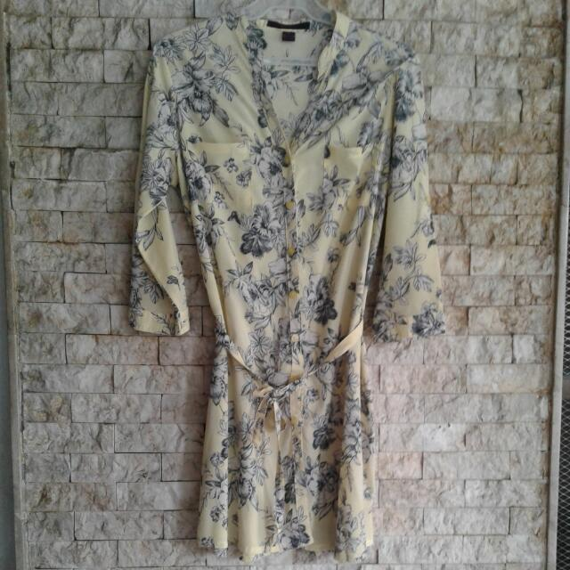 Kisses & Co long dressy floral top PRE LOVED